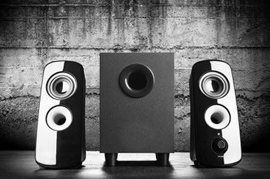koppla aktiva högtalare till förstärkare