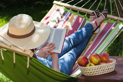 Unna dig själv mer ledig tid i sommar - låt en bra robotgräsklippare sköta  gräsmattan. 5ea7d5f6248c4